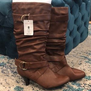 NWT Brown faux leather boots